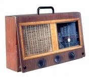 Radiosalkku (pahvia)